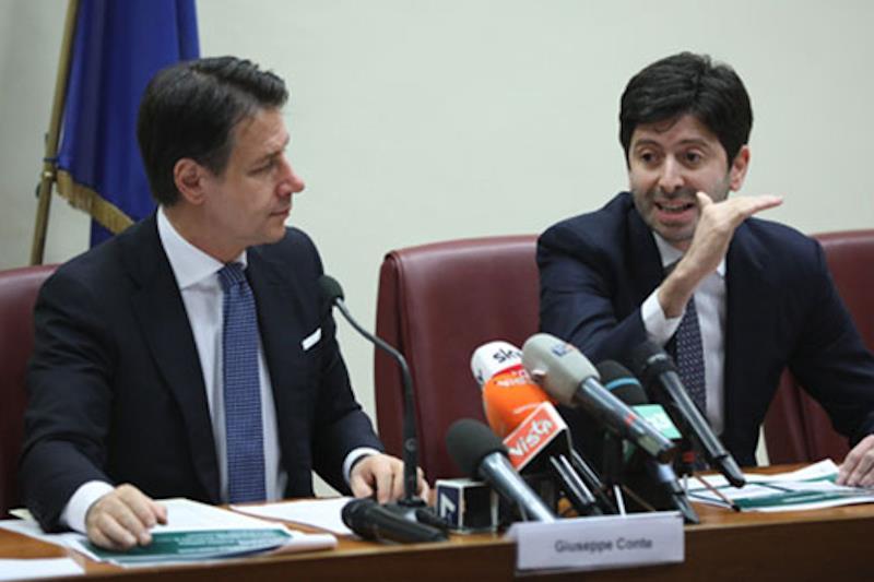 Ordinanza del ministro Speranza con nuove restrizioni per fermare il contagio