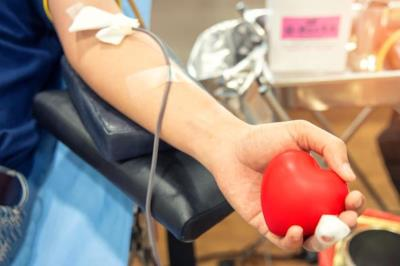 Coronavirus e donazione di sangue: ecco i criteri per chi proviene dall'estero
