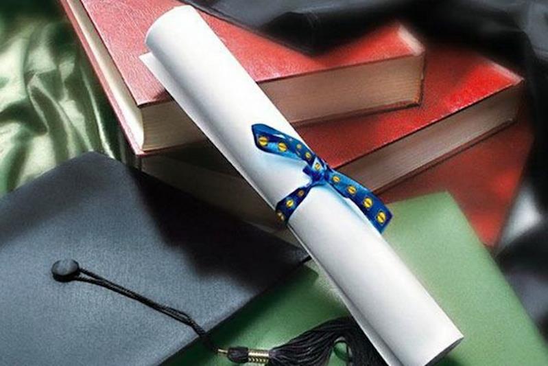 Un diploma