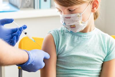 Vaccinazione di un'adolescente