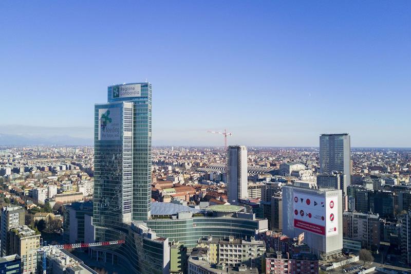 Veduta aerea con Palazzo Lombardia