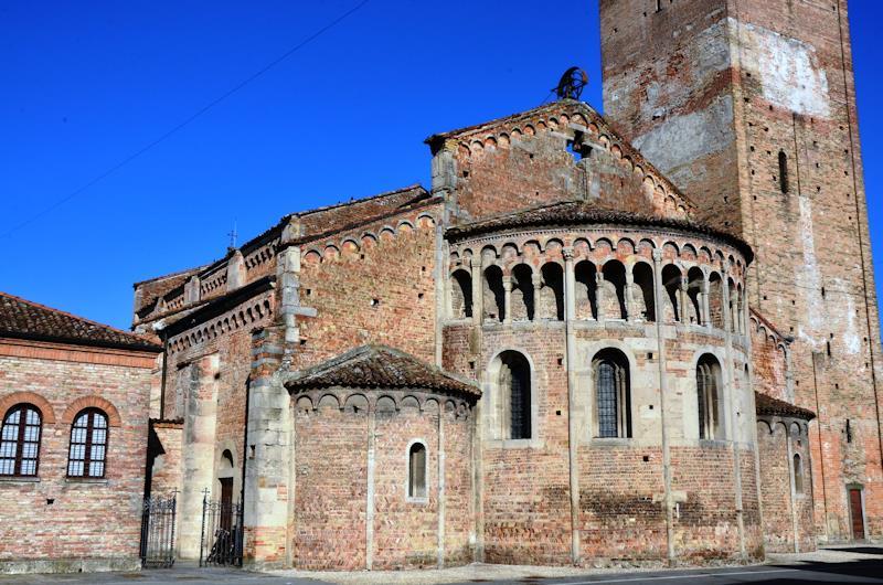 La basilica di Santa Maria e San Sigismondo